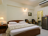 Phawana Sweet Hotel - Bangkok Short Term Rental