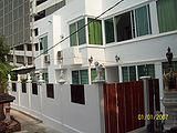 PRATUNAM HOUSE(For Srinakharinwirot girl students only) - Apartments for Rent in Central Embassy Central Embassy